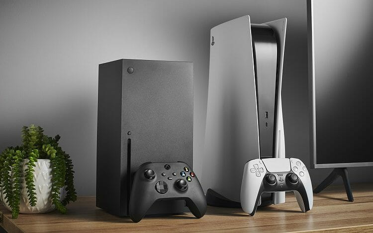 Microsoft Xbox Series X and Playstation 5